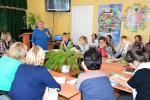 Князева Надежда Анатольевна - директор Астраханского областного эколого-биологического центра выступает перед своим коллективом