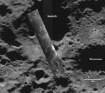Кратеры - Hawoth и Shoemaker - самые темные, холодные и недоступные наблюдению с Земли. Фото NASA