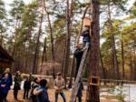 Участники конференции поработали в лесу - развесили скворечники